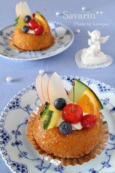 サヴァラン by Lovepanさん | レシピブログ - 料理ブログのレシピ満載! Savarin, Eos 7d, Sweets, Breakfast, Recipes, Food, Sweet Pastries, Morning Coffee, Meal