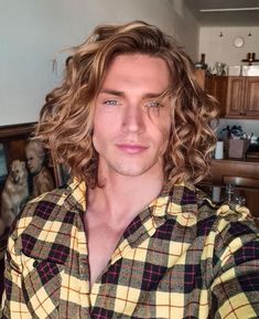 Long Curly Hair, Long Hair Cuts, Curly Hair Styles, Cute Blonde Guys, Best Long Haircuts, Surf Hair, Men Hair Color, Athletic Men, Hot Blondes