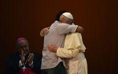 Pape François - Pope Francis - Papa Francesco - Papa Francisco - JMJ RIO 2013 - Jovem Valmir Júnior faz discurso para o Papa Francisco em encontro do pontífice com a sociedade civil no Theatro Municipal do Rio