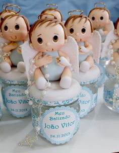 Potinho com anjinho e vela dentro do potinho.  As Christening Favors, Baptism Party, Baby Christening, Polymer Clay Figures, Fondant Figures, Polymer Clay Creations, Frozen Birthday Party, First Birthday Parties, First Birthdays