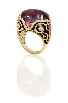 Рекламная фотосъемка ювелирных изделий с драгоценными камнями и бриллиантами. Jewellery Photography
