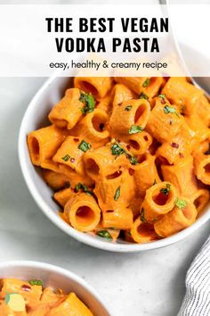 In need of a simple but delicious dinner? Try these vegan vodka pasta! It's made in one pot, FULL of flavor, and I promise you can't even tell it's vegan. It's made creamy thanks to cashews, rich from tomatoes & smothered of pasta that can easily be gluten free. This vodka sauce is the best vegan pasta dish. #veganvodkapasta #vodkapasta #veganpasta #vodkasauce