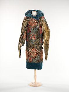 Evening coat 1930, Monari of Paris.