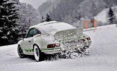 Porsche 911 winter drift