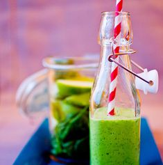 7 fristende juice og smoothie | Meny.no Smoothie, Juice, Vegetables, Food, Basil, Spinach, Juicing, Veggie Food, Smoothies
