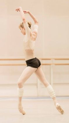 eleonoreconstant:  Sarah Lamb in rehearsal  The Art of Fugue - ROH/Johan Persson