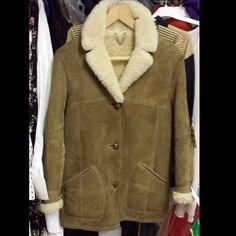 Sheepskin coat #mens #men #sheepskin #sheep #vintage #vintageguru #menswear #fashion #winter #freezing #snow