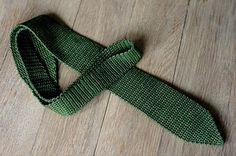 Hæklet slips - Crochet Tie pattern by Emilie Tholstrup