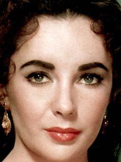 Liz Taylor's beautiful eyes