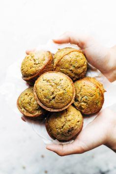 These Lemon Poppyseed Zucchini Muffins are the BEST! Lemony and bright and made with simple ingredients like zucchini, olive oil, flour, and sugar. Muffin Recipes, Brunch Recipes, Baking Recipes, Breakfast Recipes, Breakfast Muffins, Vegan Recipes, Lunch Snacks, Healthy Snacks, Healthy Eating