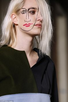 French designer Jacquemus  sketched a Picasso face onto the side of his models'…