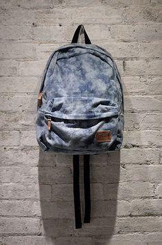 Vans Girls Deserted Snake Tie Dye Denim Backpack.. Looks much better here than in the online store. Hrm.