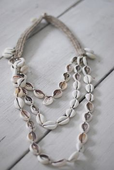 ☆simple strings of white shells #natural #jewellery #necklace