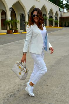 Pure White white_ripedjeans_blazer_adidas_zara_basics_tote