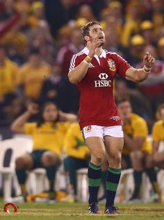 Lions fullback Leigh Halfpenny watches his last-ditch effort drop short Super Rugby, Six Nations, Rugby World Cup, Rugby Players, Espn, Lions, Effort, Champion, Passion