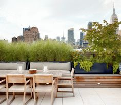 Urban Garden Elegant rooftop terrace in Chelsea by WE design - Our judges have selected the finalists, now you choose the winners. Vote for the finalists in each of 17 Considered Design Awards categories, on both Garde Outdoor Furniture Sets, Diy Pergola, Outdoor Living Space, Outdoor Decor, Garden Design, Rooftop Design, Outdoor Design, Outdoor Spaces, Outdoor Living