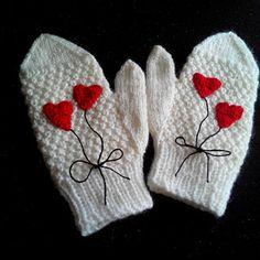 Dámské a dívčí palčáky se srdíčky Gloves, Winter, Fashion, Winter Time, Moda, Fashion Styles, Fashion Illustrations, Winter Fashion