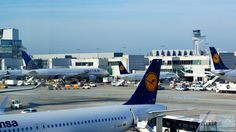 - Check more at https://www.miles-around.de/trip-reports/first-class/lufthansa-boeing-747-400-first-class-frankfurt-nach-vancouver/,  #737-500 #747-400 #avgeek #Aviation #Boeing #BusinessClass #Champagner #FCT #FirstClass #FirstClassLounge #FirstClassTerminal #FRA #Frankfurt #Grönland #Leipzig #LEJ #Lounge #Lufthansa #LufthansaSenatorLounge #Reisebericht #Trip-Report #USA #YVR
