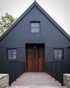 40 Gorgeous Black House Exterior Design Ideas For Inspiration Modern House Exterior black design exterior Gorgeous house ideas Inspiration Black House Exterior, Exterior House Colors, Exterior Design, Exterior Stain, Metal Building Homes, Building A House, Black Building, Black Barn, Black Wood