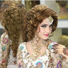 Best braided hairstyles and makeup by Kashees http://www.fashioncluba.com/2017/02/kashees-new-look-makeup-and-hair-styles-for-bridal.html