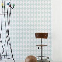 Papier peint en rouleau Harlequin Ferm Living - blanc et vert Harlequin Wallpaper, Modern Wallpaper, Brick Effect Wallpaper, Scandinavian Kids Rooms, Toddler Rooms, Boy Toddler, Mint, Bed Wall, Painting Wallpaper