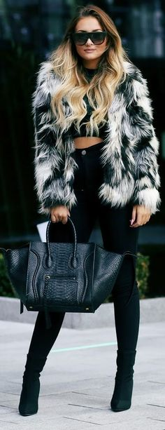 That Pommie Girl Black And White Faux Fur Coat Fall Inspo #Fashionistas