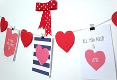 guirlande st-valentin All You Need Is, Coutume, Love, Cards, Simple, Biscuits, Garland Decoration, Hanging Hearts, Romantic Table