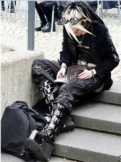 Gothic fashion 631700285213761691 - Cyber Gothic – Page 2 Source by dydylegal Punk Mode, Mode Emo, Punk Outfits, Grunge Outfits, Cool Outfits, Fashion Outfits, Goth Aesthetic, Aesthetic Clothes, Aesthetic Black
