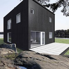 Modern prefab homes. Black Architecture, Architecture Design, Modern Prefab Homes, Transforming Furniture, Tiny Spaces, House Layouts, Dream Rooms, Scandinavian Style, Minimalism