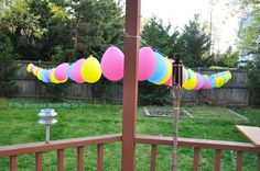 Slipknot String of Balloons Tutorial. Quick and easy way to string up balloons.