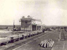 Alcazarquivir1045 -la estacion del ferrocarril en construccion
