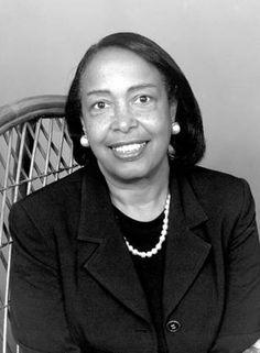 La médica e inventora Patricia Bath (1942-) cumple hoy (4 de noviembre) años.
