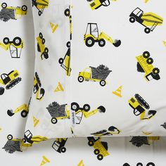 If your little one loves trucks and diggers then these fantastic Roadworks sheets are perfect. Create a bedroom they'll be excited to sleep in and rest assured they'll be sleeping in great quality cotton sheets. Big Boy Bedrooms, Boys Bedroom Decor, Baby Boy Rooms, Bedroom Themes, Bedroom Ideas, Boys Construction Room, Construction Machines, Digger Bedroom, Transportation Nursery