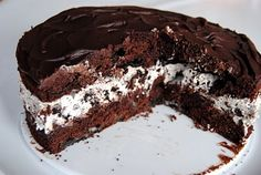 Oreo sjokoladekake Norwegian Recipes, Norwegian Food, Chocolate Cakes, Cake Recipes, Desserts, Dump Cake Recipes, Tailgate Desserts, Chocolate Stout Cake, Dessert