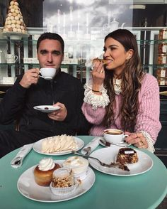"82.9 mil curtidas, 528 comentários - Negin Mirsalehi (@negin_mirsalehi) no Instagram: ""And while he is drinking his coffee I'm having a little pastry party."""