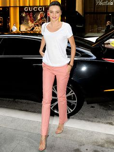 Pastel pants, white shirt, nude shoes.  Accessorize with a smile.