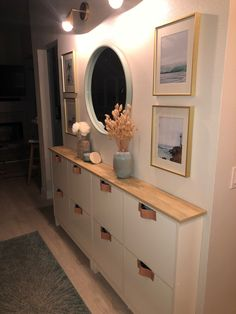 Entryway Furniture, Furniture For Small Spaces, Furniture Makeover, Diy Furniture, Ikea Small Spaces, Home Living Room, Living Room Designs, Living Room Decor, Ikea Shoe Cabinet