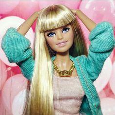 Barbie looki