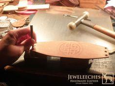 Making a celtic pattern on a leather bracelet, handmade by JEWELEECHES VIVIAN HEBING! Do you want to see more of my artwork, find me on Facebook, Youtube, Etsy, Instagram etc. I also have tutorial video's on Youtube and I give workshops and courses leathercrafting too! >>>Ik geef ook workshops en cursussen LEERBEWERKING ( omgeving Eindhoven), daarin leer je de basistechnieken die je nodig hebt om de meest gave dingen te maken van natuurlijk gelooid leer! Zie mijn webshop www.jeweleeches.nl