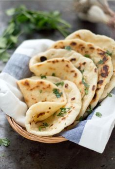 Eef Kookt Zo - Faire du pain naan vous-même Eef cuisine donc - My pictures I Love Food, Good Food, Yummy Food, Indian Food Recipes, Asian Recipes, Indonesian Recipes, Orange Recipes, Ma Baker, Snacks Für Party