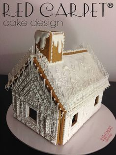 gingerbread house fantastic piping!!!!!