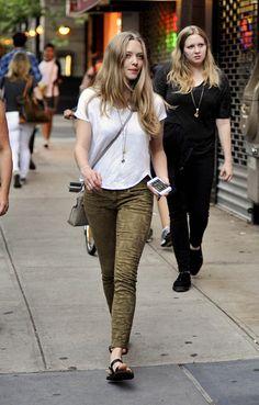 Amanda Seyfried walking in Greenwich Village in New York City - July 29, 2013 - Photo: Runway Manhattan