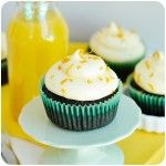 Cupcakes de chocolate com cream cheese de laranja