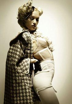 Gwen Stefani // Empress Of Style Gwen Stefani Music, Gwen Stefani And Blake, Gwen Stefani Style, Gwen Stefani Pictures, Gwen Stefani No Doubt, Gwen And Blake, Hollaback Girl, Yohji Yamamoto, Her Style