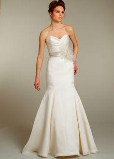 jim-hjelm-bridal-silk-satin-organza-trumpet-gown-strapless-sweetheart-natural-waist-crystal-chapel-train-8153_x3.jpg (297×414)
