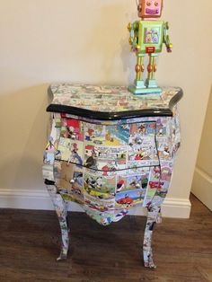 Our Decoupage Disney Style Donald Duck Art Deco French Bombe Chest by smithersofstamford Retro Gifts, Vintage Gifts, Vintage Home Decor, Retro Vintage, Retro Birthday, Birthday Gifts, Duck Art, Quirky Wedding, Unusual Gifts