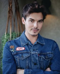 Tyler Blackburn News Tyler Blackburn, Pll Actors, Actors & Actresses, Spencer And Toby, Pretty Little Liers, Roswell New Mexico, Caleb, Jamie Campbell Bower, American Actors