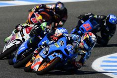 Rins, Fenati, Vazquez, Miller, and Bagnaia fighting for the same two feet of tarmac.