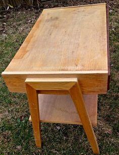 Retro stolek se šuplíkem