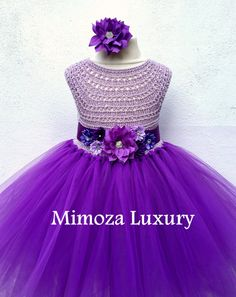 Purple Flower girl dress robe de tutu violet par MimozaLuxury sur Etsy Source by smsam Purple Tutu Dress, Purple Bridesmaid Dresses, Tulle Dress, Gowns For Girls, Girls Dresses, Purple Flower Girls, Flower Girl Gown, Crochet Girls, Kids Fashion